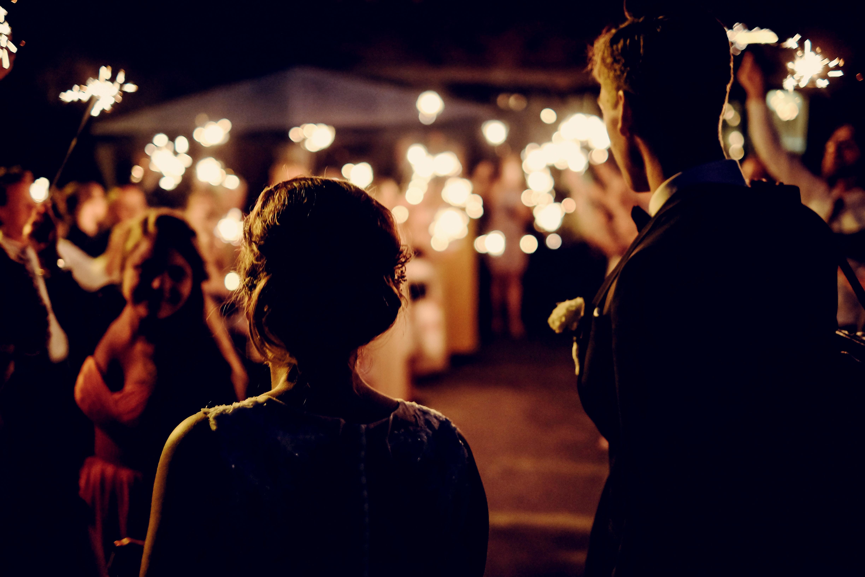 zimne ognie na weselu ślubne inspiracje